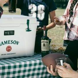 JOrig-Beer-Tailgate-FallSports-Cheers-9P6A8239-4x5__1542815703_199.48.173.62.jpg