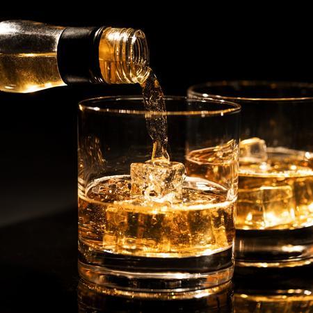 Whiskey 906828724 %281%29