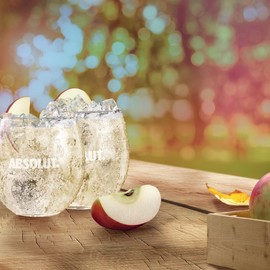 May_18_-_Absolut_Juice_Editions_Land_KV_Apple_Serve_HR-page-001.jpg