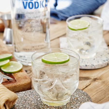 Previewmedium drink absolut vodka gimlet 2
